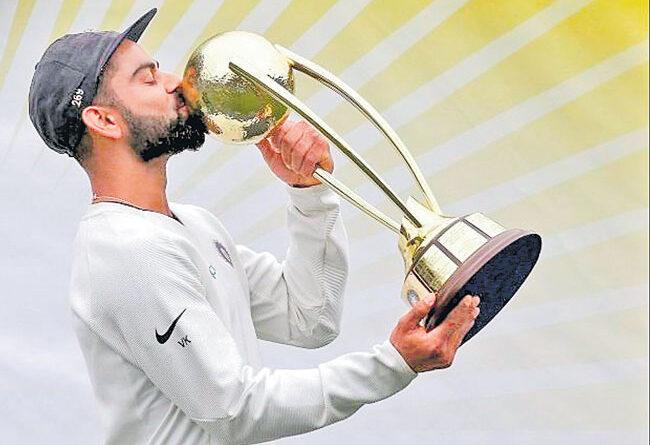 border-gavaskar-the-fan-favourite-trophy